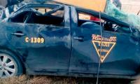 Taxi vuelca en San José Chiapa, una menor muere y 3 resultan lesionados