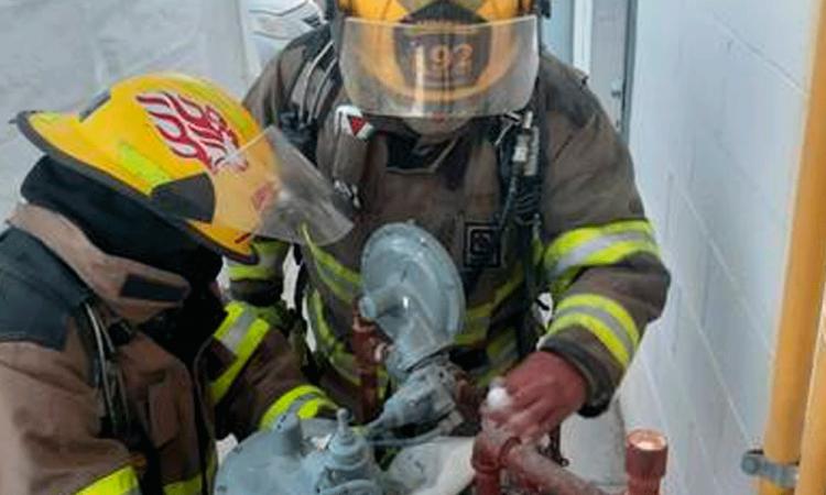 Fuga de gas natural por robo de tubería despierta a vecinos de Santa Cruz Guadalupe