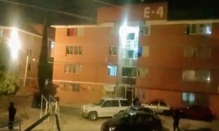 Detienen a dos y aseguran droga durante cateo en San Bartolo
