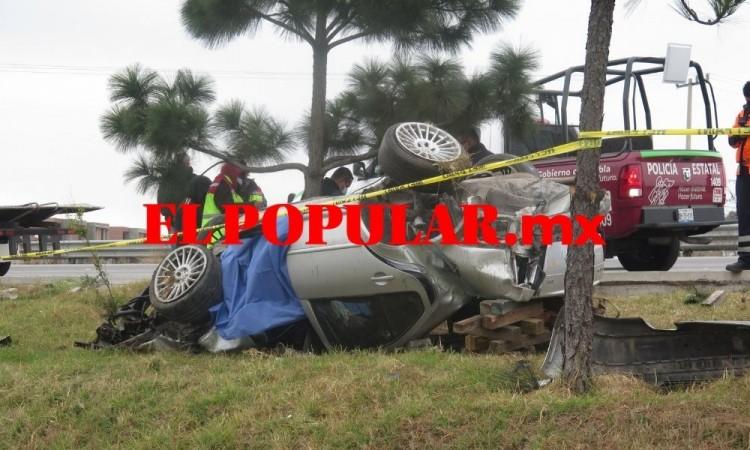 Un muerto y un herido por volcadura en el municipio de San Andrés Cholula