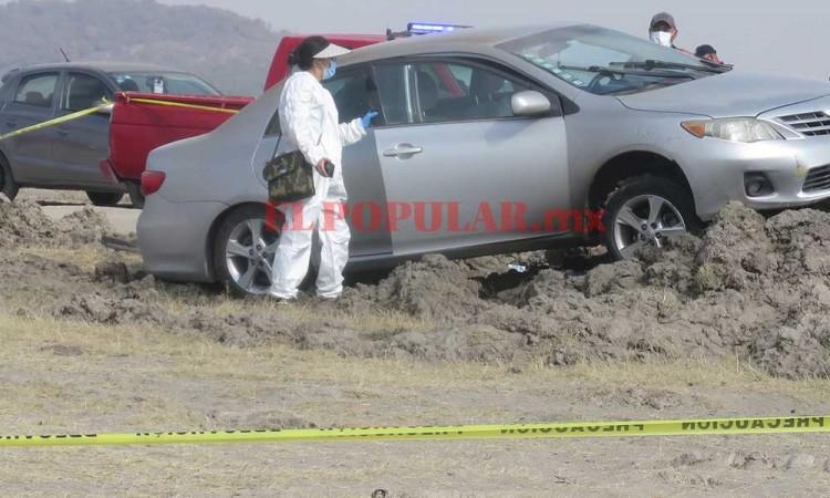 Asesinan a psiquiatra en su vehículo