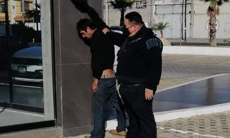 Presunto asaltante es detenido y golpeado en la colonia Reforma Sur