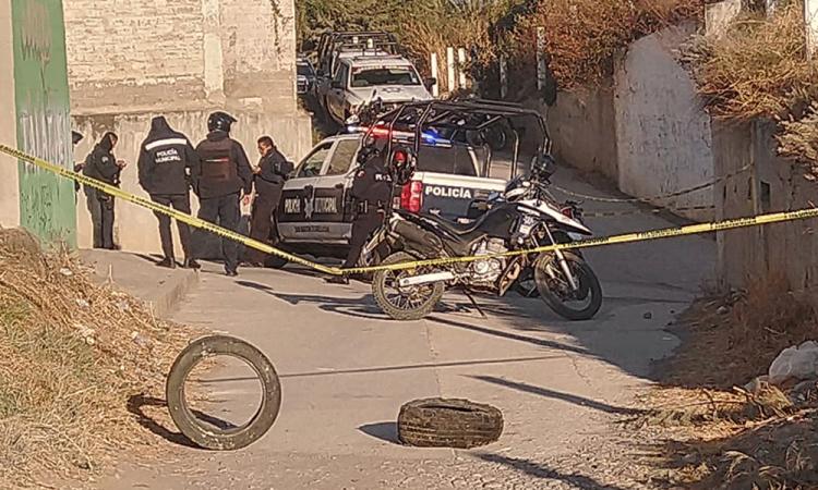 Abandonan cadáver desmembrado en San Martín Texmelucan