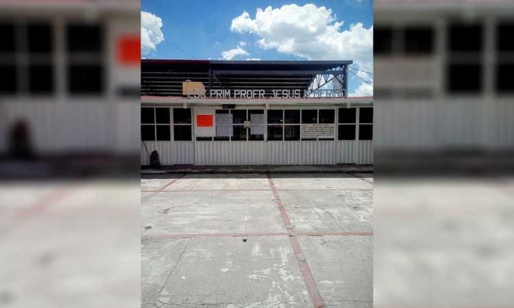 Amantes de lo ajeno ingresan a escuela primaria en Tepeaca y sustraen equipo de tecnología