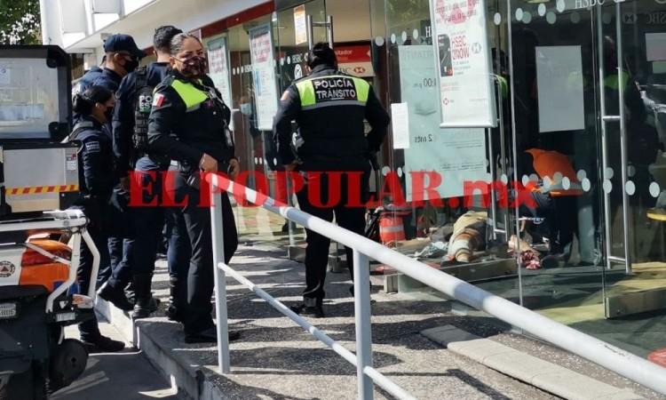 Balean a cuentahabiente en intento de asalto en El Carmen