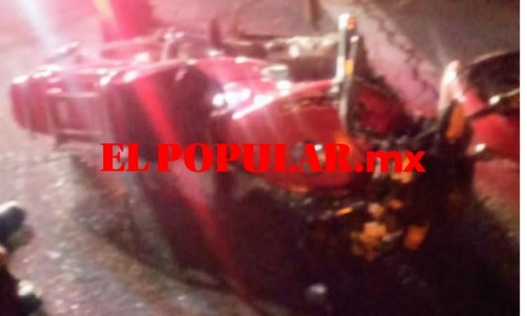 Motociclista muere arrollado en la autopista Puebla-Orizaba