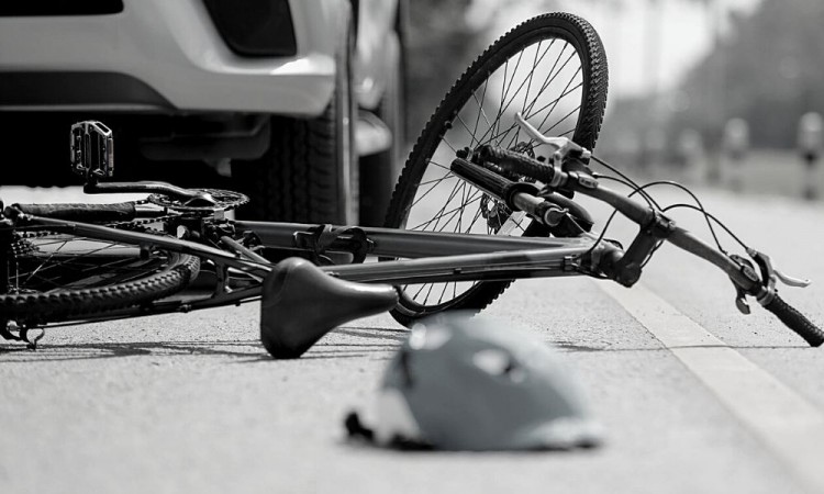 Ciclista resulta lesionada tras ser impactada por patrulla en San Andrés Cholula