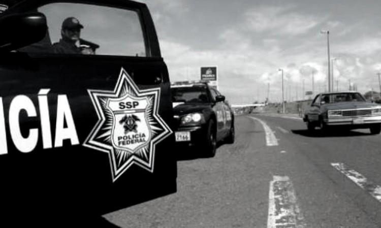 Ladrones fingen ser policías para robar camioneta en la autopista México-Puebla