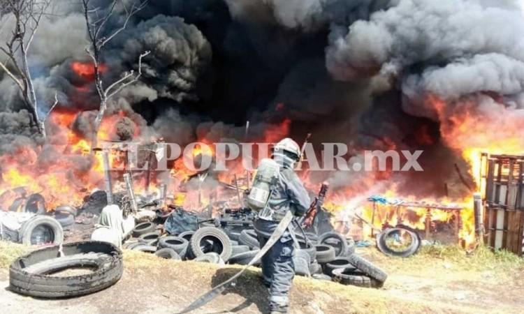 Incendio en Coronango acaba con dos talacherías