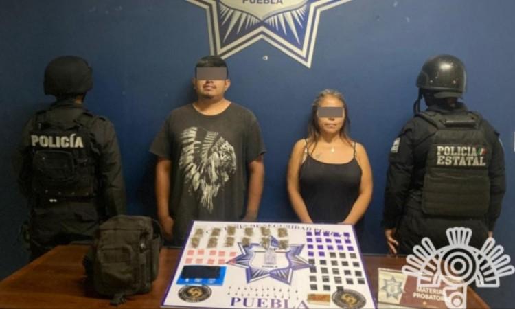 Aseguran a presunta líder de banda delictiva en Atlixco