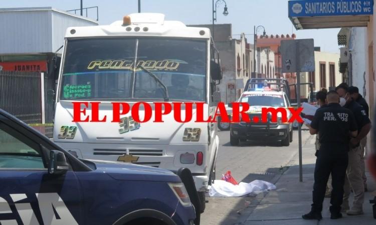 Mujer fallece atropellada por transporte público de la ruta 33