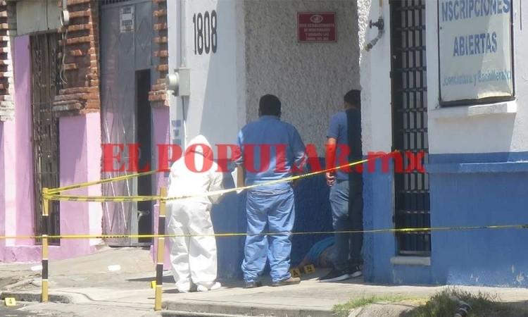 Encuentran a hombre sin vida y con signos de violencia en Xonaca