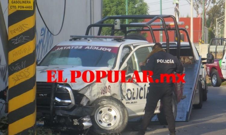 Patrulla estatal choca contra poste en San Pedro Cholula