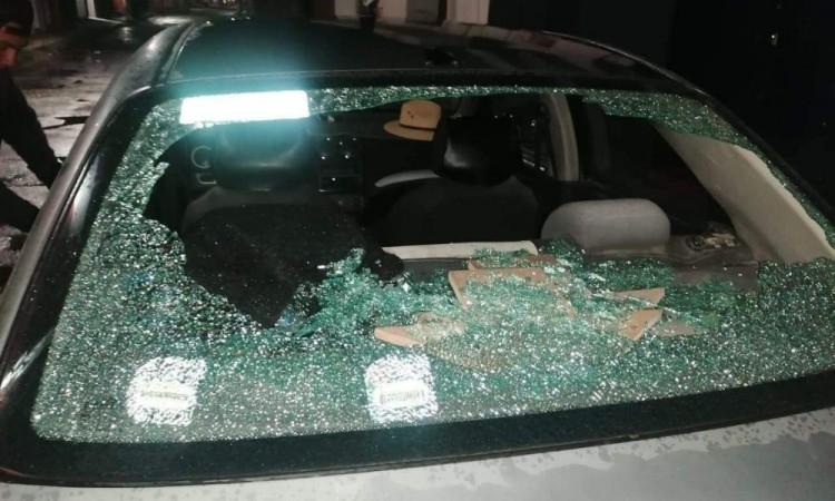 Disparan contra auto afuera de inmueble del PAN en Amozoc