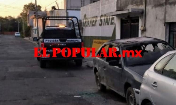 Incendio de vehículo deja un hombre con quemaduras en la colonia Joaquín Colombres