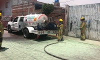 Fuga de gas LP en pipa deja lesionados a dos trabajadores en Cholula