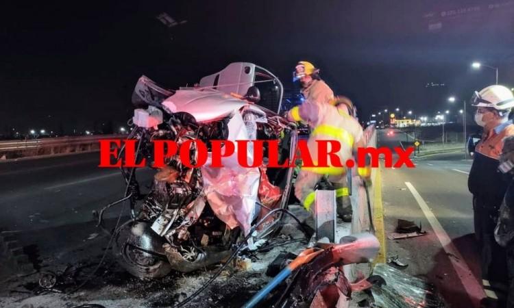 Conductor ebrio resultó gravemente herido por choque y volcadura en San Andrés Cholula