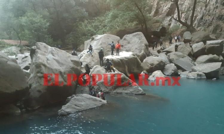 Menor de edad muere ahogado en cascadas en el municipio de Aquixtla
