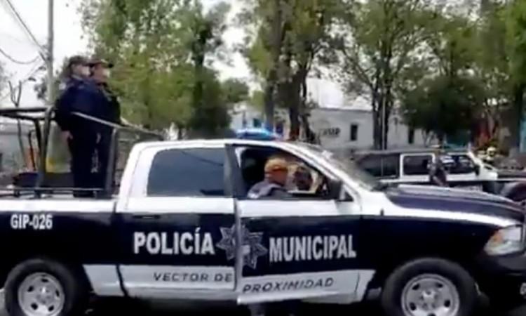 Sujeto ebrio provoca movilización policial en la unidad habitacional Manuel Rivera Anaya