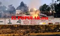 Bomberos sofocan incendio en bachillerato en la unidad habitacional La Margarita