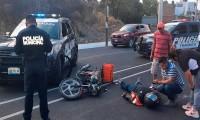 Patrulla y motociclista chocan en la colonia El Encinar