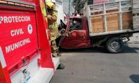 Choque de camioneta y autobús deja tres lesionados en la carretera federal Puebla-Tehuacán