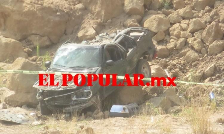 Asesinan a mujer y la arrojan con camioneta para similar percance vial en el municipio de Amozoc