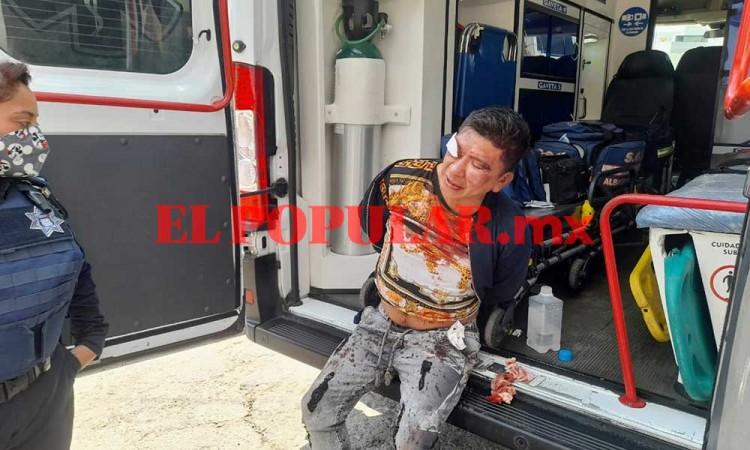 Ladrón termina detenido y golpeado durante robo a domicilio en la colonia La Paz