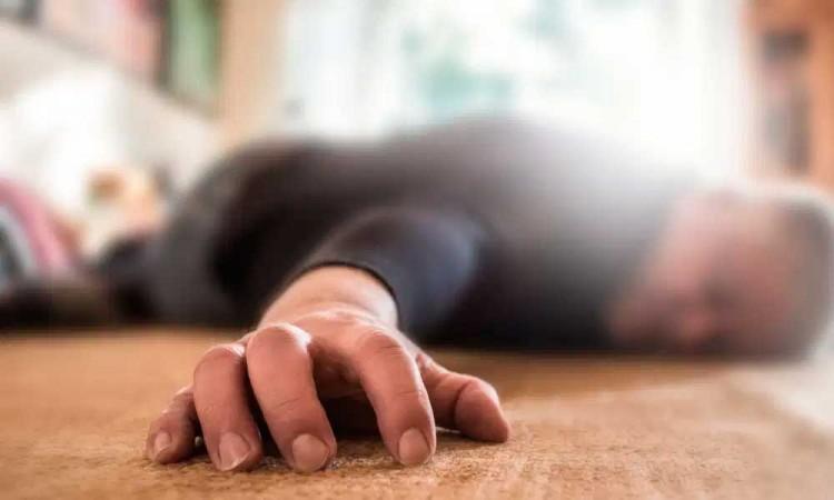 Muere hombre al ser golpeado en aparente riña