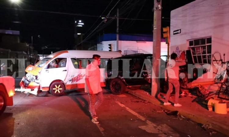 Par de choques dejan seis lesionados en la capital poblana