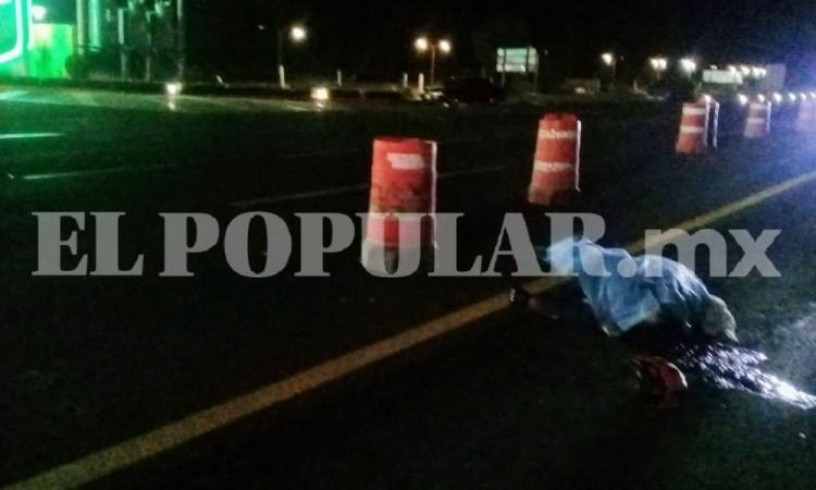 Motociclista muere por derrape y choque en la autopista Puebla-Orizaba a la altura del municipio de Palmar de Bravo