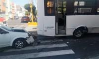 Chocan ruta y auto en la colonia Chulavista, no hubo lesionados