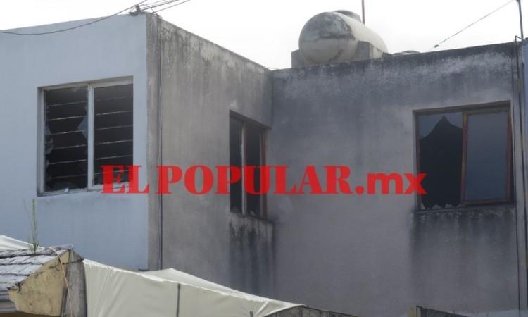 Explosión en domicilio causa alarma en vecinos en la unidad habitacional Manuel Rivera Anaya
