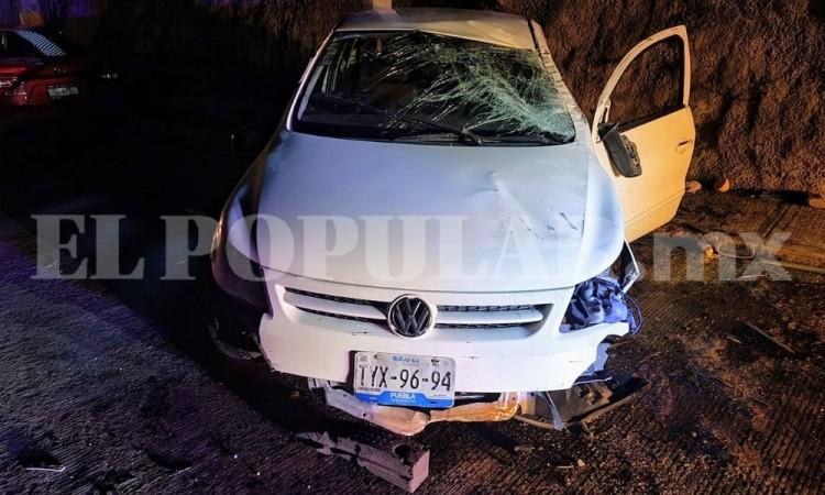 Abandonan automóvil chocado, otra vez en el Periférico y el bulevar Carmelitas