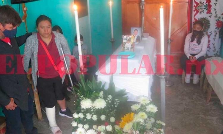 Dan el último adiós a Juan José, menor asesinado a golpes en San Francisco Totimehuacan