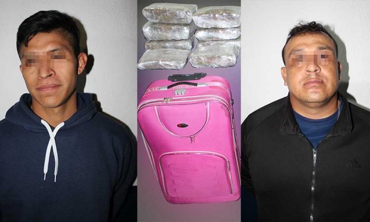 Detienen a dos sujetos con más de 15 kilos de droga en la CAPU