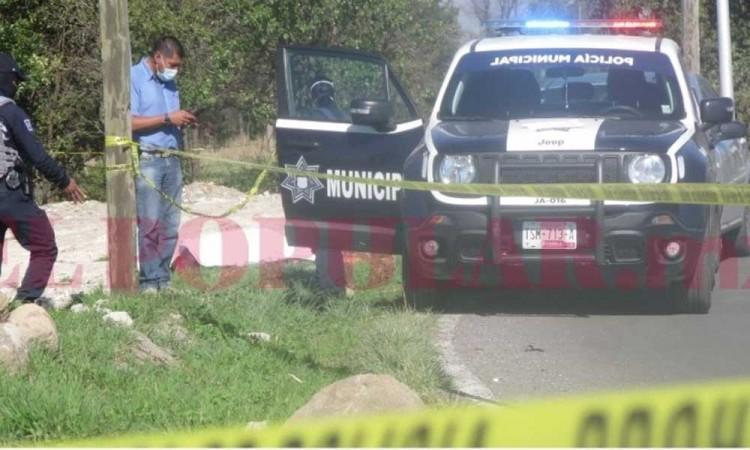 Identifican a hombre asesinado con balazo en la carretera a San Miguel Espejo