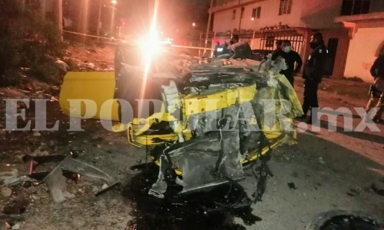 Choque y volcadura de auto deportivo dejó dos heridos, a la altura de la colonia Revolución Mexicana