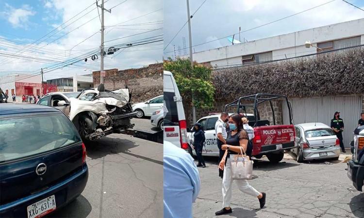 Policía resulta lesionado por choque entre patrulla y dos autos en la colonia Azcarate