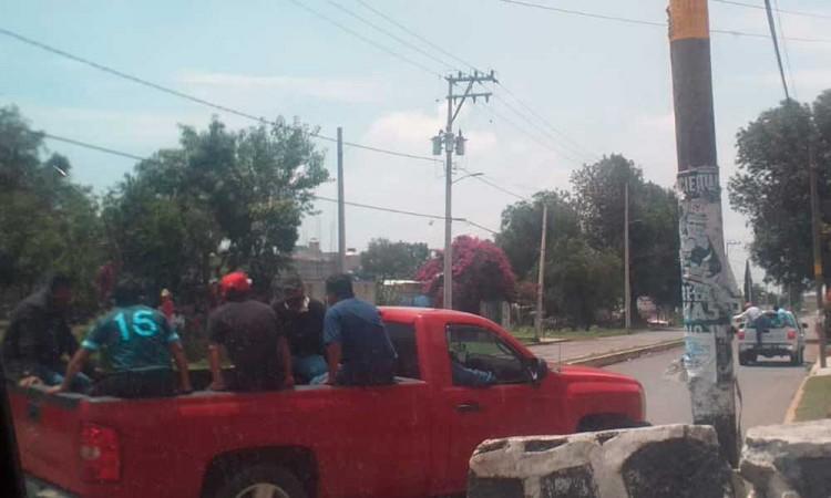 Policía municipal de Coronango es agredida por un grupo de sujetos en Mihuacán